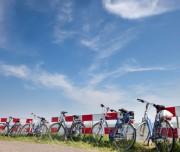 MH countrycycling 8957 fietsen op dijk voor website